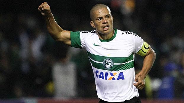 ex-jogador-alex-e-o-novo-comentarista-da-espn-brasil
